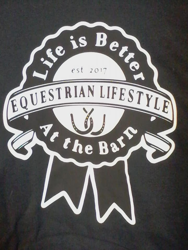 Equestrian Lifestyle Color: Black Graphic: Ribbon/ white background Size: Medium