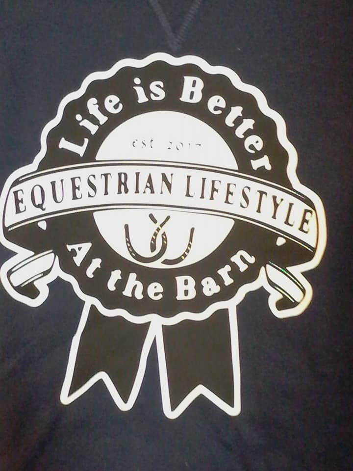 Equestrian Lifestyle Color: Navy Graphic: Ribbon with white background Size: Large